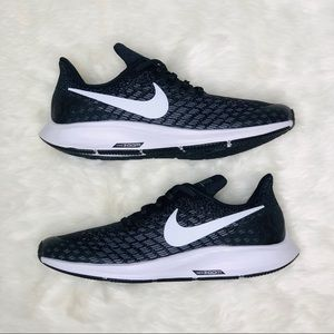 New Size 8 Nike Zoom Pegasus Running Black Shoe